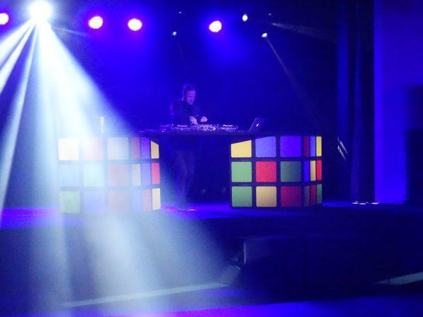 Régie DJ Rubik's cube